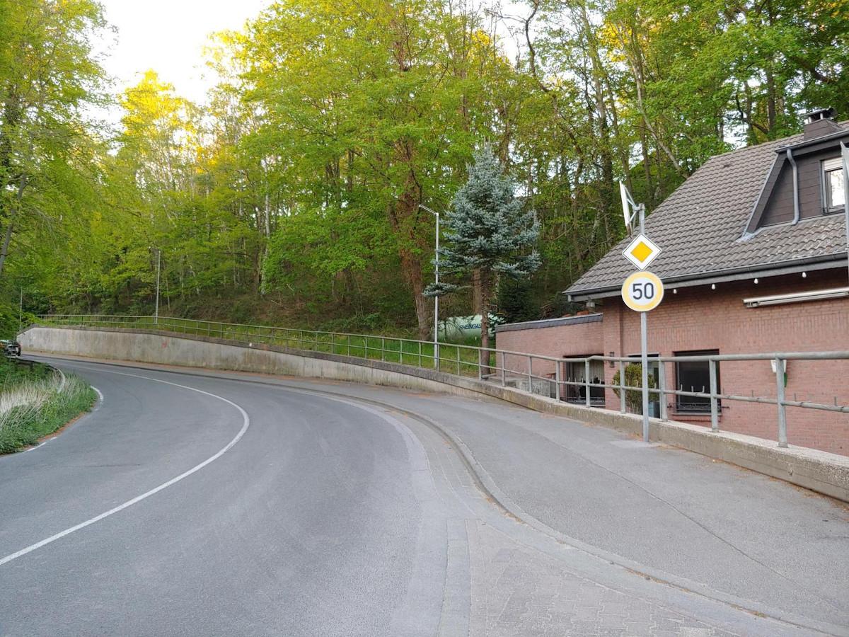 Bild: Gehweg, hier Am Kellersberg in Alsdorf