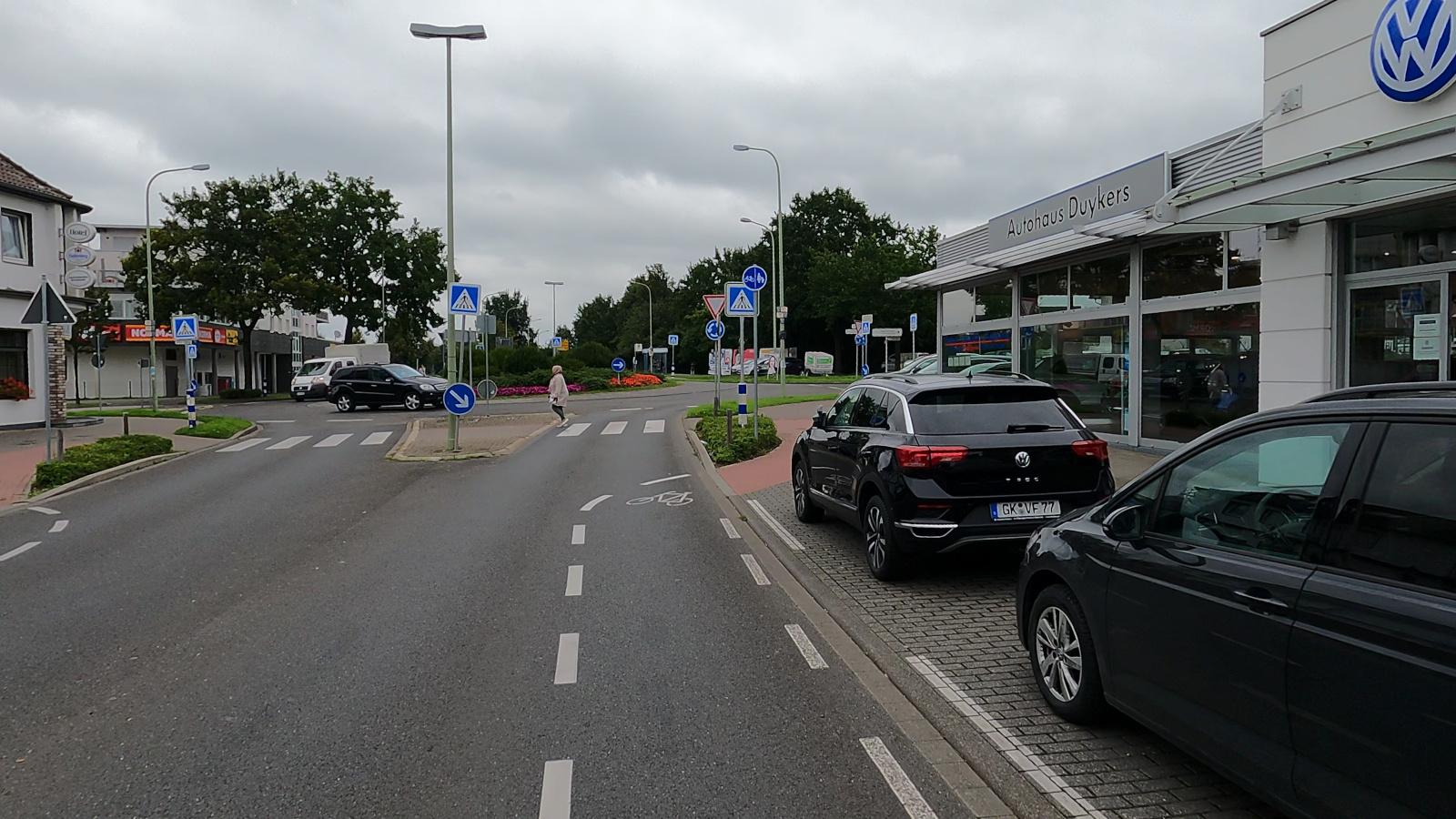 Bild: Kreisverkehr Aachener und Jülicher Straße in Baesweiler